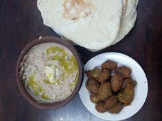 Fool and falafel ! Palestine Food, Dessert Drinks, Desserts, National Dish, Silk Road, Arabic Food, Falafel, Stuffing, Food And Drink