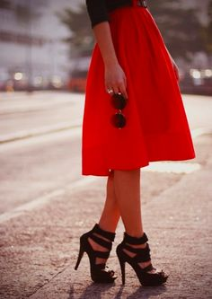 Love these shoes ... and the skirt!
