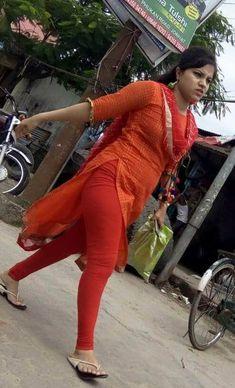 Indian Girl Bikini, Indian Girls, Desi Girl Image, Hot Cheerleaders, Indian Beauty Saree, Tight Leggings, Sexy Hot Girls, Girl Photos, Beauty Women