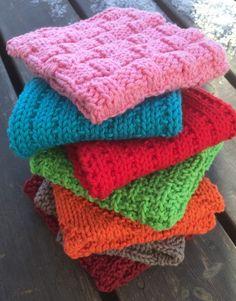 Månadens disktrasa 2015 - 12 forskellige Needlepoint, Pot Holders, Knit Crochet, Weaving, Beanie, Knitting, My Style, Pattern, Diy
