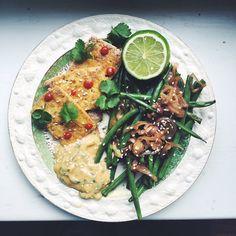 Tofu med koriandermajonnäs, gröna bönor och schalottenlök | Olive Hummer