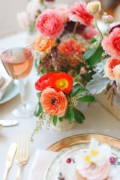 Bright ranunculus #centerpiece | Photography: Whitney Furst Photography - www.whitneyfurst.com  Read More: http://www.stylemepretty.com/2014/04/28/bridesmaid-soiree-inspiration-shoot/