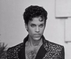 Prince in Under the Cherry Moon.smoldering glance from his sexy eyes! Prince Images, Pictures Of Prince, Prince Gifs, Prince Quotes, Shakira, Rebel, The Artist Prince, Prince Purple Rain, Roger Nelson
