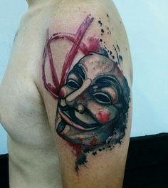 By Samme Antunes V For Vendetta Tattoo, Deadpool Tattoo, Comic Tattoo, Guy Fawkes, Cultura Pop, Tatoos, Watercolor Tattoo, Brazil, Tatting