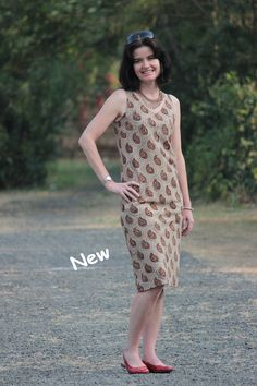 Dress Sleeveless (DSLV): S - XL