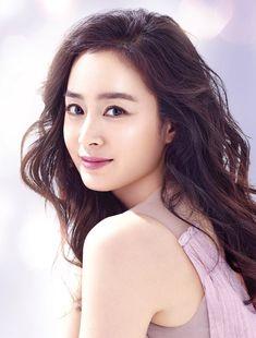 Kim tae hee 2018 Kim Tae Hee And Rain, Korean Beauty, Asian Beauty, Yoona Snsd, Japan Girl, Korean Actresses, Korea Fashion, Star Wars, Cute Woman