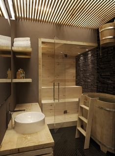 Steam rooms or Home Saunas. The perfect way to relax. 10 Amazing Home sauna or steam room Ideas and Designs for indoor and outdoor relaxation at home. Scandinavian Bathroom Design Ideas, Modern Bathroom Design, Modern House Design, Modern Sink, Scandinavian Modern, Saunas, Design Sauna, Gym Design, Sauna Room