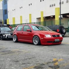 Vw Golf mk4 (Jolf) at the line for Volksbrothers meet at Shopping D #volkswagen…