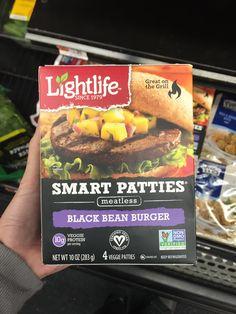Best Veggie Burger, Vegan Burgers, Costco Freezer Meals, Accidentally Vegan Foods, Veggie Patties, Vegan Store, How To Become Vegan, Vegan Recipes Easy, Vegan Ideas
