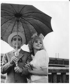Anna Karina et Jean-Luc Godard in Les fiancés du Pont MacDonald réalisé pour Cléo de 5 à 7 en 1961 par Agnès Varda