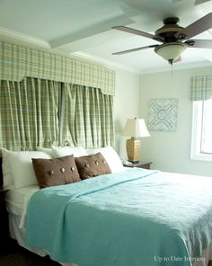small-space-bedroom-ceiling