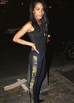 Photo of /.\aliyah for fans of Aaliyah 25592960 Aaliyah Jay, Aaliyah Style, Aaliyah Singer, My Black Is Beautiful, Beautiful People, Aaliyah Pictures, Aaliyah Haughton, I Miss Her, Celebs