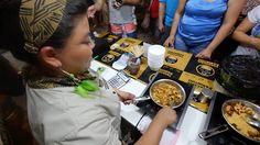 """""""Passa a Paço"""" feira gastronômica em Manaus.  Tá liberado comer farofinha, arroz de tacacá e casquinha de caranguejo? Sim! Tacacaria Parintins no aniversário de 346 de MANAUS!"""