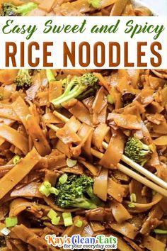 Delicious Vegan Recipes, Spicy Recipes, Real Food Recipes, Easy Asian Recipes, Easy Healthy Recipes, Easy Meals, Spicy Asian Noodles, Rice Noodle Recipes, Spicy Rice