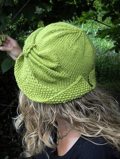 Free Pattern Friday – Cloche Divine by Meghan Jones