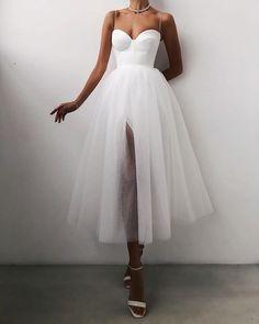 Tea Length Wedding Dress, Tea Length Dresses, White Tea Length Dress, Pretty Dresses, Beautiful Dresses, Fancy White Dresses, Elegant White Dress, Simple White Dress, Glamouröse Outfits