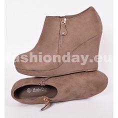 d42dda45bf Topánky v béžovej farby na platforme - fashionday.eu. Fashionday.eu · Dámske  topánky