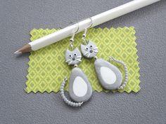 Boucles d'oreilles chat gris/ blanc dodu
