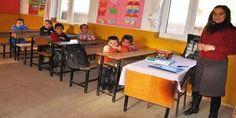 Doğu ve Güneydoğu Anadolu'ya atanan öğretmenlere, öğrencilerle iletişim sağlamak için Kürtçe cümleler öğretilecek.