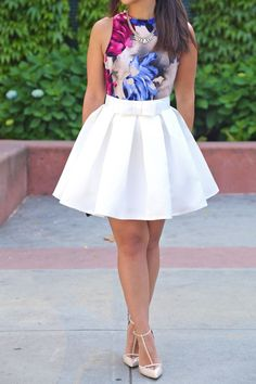 We've gathered our favorite ideas for White Mini Skater Skirt Full And Feminine Skirts Fashion, Explore our list of popular images of White Mini Skater Skirt Full And Feminine Skirts Fashion. Cute Fashion, Teen Fashion, Fashion Outfits, Fashion Clothes, Midi Skirt Outfit, Skirt Outfits, Skater Skirt Outfit For Summer, White Skater Skirt, Outfit Trends