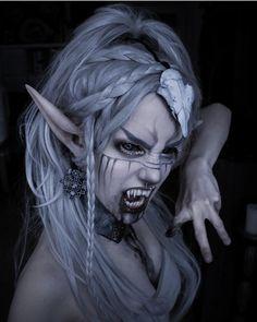 Vampire Look, Vampire Girls, Vampire Fangs, Gothic Makeup, Creatures Of The Night, Shaved Hair, Horror Movies, Makeup Inspiration, Halloween Face Makeup