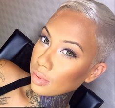 Love the cut and color....Renaye Diaz