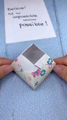 Diy Crafts Hacks, Diy Crafts For Gifts, Diy Arts And Crafts, Diy Crafts Videos, Creative Crafts, Origami Simple, Instruções Origami, Dollar Origami, Origami Bookmark