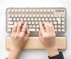 Retro Typewriter, Vintage Typewriters, Clean Microfiber, User Guide, Retro Design, Tool Design, Keyboard, Classic, Shopping