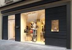 Liu Jo collection flagship store by Christopher G Ward Padova Italy 08