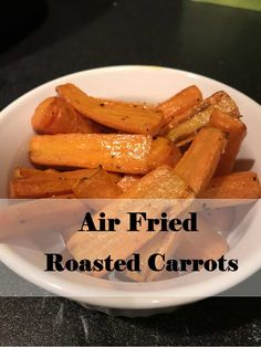 Making roasted vegetables has never been so easy. These taste just like they came out of the oven! The difference? Less time and less oil. Carrots Side Dish, Cooked Carrots, Roasted Carrots, Grilling Recipes, Beef Recipes, Mexican Food Recipes, Cooking Recipes, Healthy Cooking, Actifry Recipes