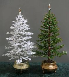Articles about beading projects, christmas crafts, beaded christmas tree-Nbeads Beaded Crafts, Wire Crafts, Christmas Projects, Holiday Crafts, Beaded Christmas Ornaments, Noel Christmas, Christmas Tree Decorations, How To Make Christmas Tree, Miniature Christmas Trees