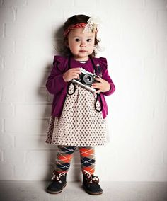 A glimpse of Chelsea in the making! Mix-matched clothes and a camera. Little Girl Fashion, Kids Fashion, Women's Fashion, Quoi Porter, Newborn Essentials, Mamas And Papas, Baby Outfits Newborn, Stylish Kids, Kid Styles