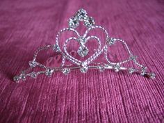 Silver heart & twisted wire tiara comb with crystals