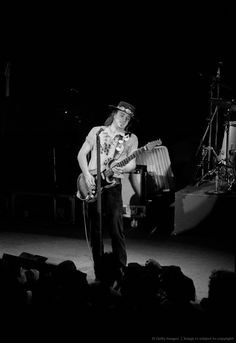 1000 images about stevie ray vaughan my hero on pinterest stevie ray vaughan texas flood. Black Bedroom Furniture Sets. Home Design Ideas