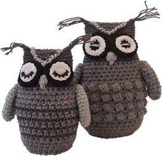 Crochet owls with free pattern in Dutch
