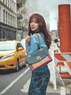 Park Shin Hye Encapsulates Twentysomething Downtown NYC Girl in Bazaar Korea Pictorial Park Shin Hye, Gwangju, Korean Actresses, Korean Actors, Korean Celebrities, Celebs, Korean Girl, Asian Girl, Nyc Girl