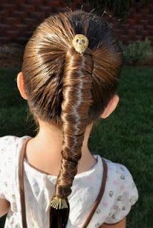 This Halloween create this super fun Mummy hair style in your ponytail. Good look for a Halloween day outfit that isn't overly costumy! Little Girl Hairstyles, Pretty Hairstyles, Girls Hairdos, Natural Hairstyles, Hair Dos, Your Hair, Crazy Hair Days, Hair Today, Hair Designs
