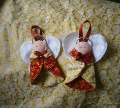 Anjinhos para enfeitar a Árvore de Natal feitos de tecido e feltro  *Kit com três anjinhos **Verificar prazo de entrega para outras quantidades R$ 12,00