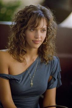 Honey, seriously I love this hair @Holly Flood this the hair i was talking about