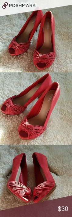 ZARA BASIC RED PEEP TOE SUEDE LEATHER PUMPS ZARA BASIC RED PEEP TOE SUEDE LEATHER PUMPS. Love these Sexy Mamas! PERFECT FEMININE HEEL! SUPER COMFY! Zara Shoes