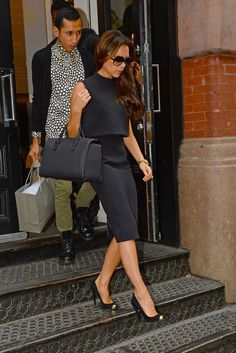 Victoria Beckham in total black.