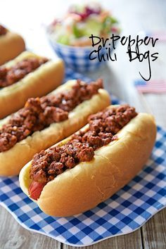 Dr. Pepper Chili Dogs Recipe - hot dogs topped with a sweet and tangy Dr. Pepper chili - great for your Summer cookouts! Ready in under 30 minutes! Dog Recipes, Chili Recipes, Cooking Recipes, Cooking Chili, Party Recipes, Cooking Games, Cooking Turkey, Cooking Classes, Chicken Recipes