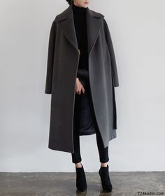 P&D MODEBERATUNG empfiehlt oversized Mantel Certainly, it is very monotonous intended for performing girls to Look Fashion, Korean Fashion, Fashion Outfits, Womens Fashion, Fashion Coat, Fashion Beauty, Ulzzang Fashion, 80s Fashion, Fashion Clothes
