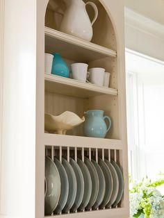 Trendy Kitchen Shelves For Dishes Upper Cabinets Kitchen Display, Kitchen Shelves, Kitchen Storage, Kitchen Decor, Kitchen Cabinets, Kitchen Ideas, Display Cabinets, Kitchen Inspiration, Kitchen Tips