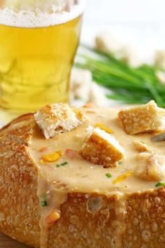 This slow cooker beer cheese soup is super easy to make! It combines sharp cheddar cheese, cream cheese and beer and is delicious for lunch or dinner. Serve it with crusty bread ! Crock Pot Soup, Crock Pot Slow Cooker, Crock Pot Cooking, Slow Cooker Recipes, Crockpot Recipes, Soup Recipes, Cooking Recipes, Recipies, Irish Recipes