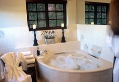 Who could resist a bath like this after soaking up the sun rays and walking dusty hiking trails? Sun Rays, Hiking Trails, Cape Town, Corner Bathtub, Bliss, Walking, Restaurant, Pure Products, Home