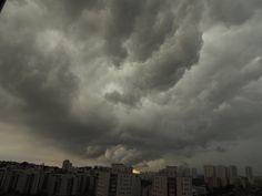 São Paulo da garoa - temporal  #sãopaulo #cidadebrasileira #amenimario #ameniplan