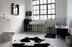 Černobílá vintage koupelna, mozaiky u nás také najdete http://www.retro-obklady.cz/mozaiky#obejdi