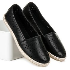 Ashtray espadryle  Unique shoes for spring and summer. Soft and breathable sole will provide comfort throughout the day even in the heat. An open pattern will provide a fashionable look in all circumstances. This is all you get in our store for the lowest price! https://www.cosmopolitus.com/azurowe-espadrylki-czarny-tl098b-p-248091.html?language=en&pID=248091 #Espadryle #ballerina #spring #summer #openwork #black #fashionable #cheap #comfortable