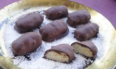 Chocolate Sweets, Chocolate Caramels, Chocolate Truffles, Sweet Corner, Oreo Pops, Greek Recipes, Confectionery, Finger Foods, Cheesecake
